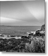 Castle Rock Beach Sunset Sunrays Marblehead Ma Black And White Metal Print