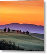 Chapel And Farmhouse In Tuscany Metal Print