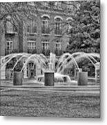 Charleston Waterfront Park Fountain Black And White Metal Print