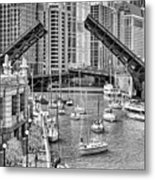 Chicago River Boat Migration In Black And White Metal Print