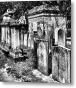 Churchyard Of Old Charleston Metal Print