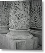 Column Of Mount Vernon Place Metal Print