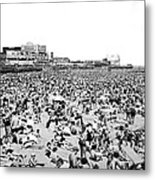 Crowds At Coney Island Beach Metal Print
