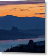 Crown Point And Beacon Rock At Dawn Metal Print