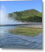 D09127 Reflection In Grand Prismatic Spring Metal Print