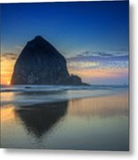Day's End In Cannon Beach Metal Print