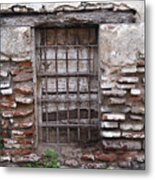 Decaying Wall And Window Antigua Guatemala 2 Metal Print