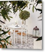Dining In The Courtyard Metal Print