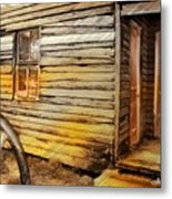 Do-00040 Old House Front Metal Print
