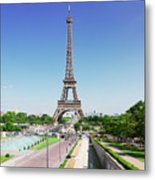 Eviffel Tower With Fountains Metal Print