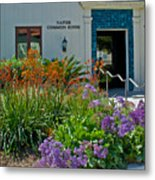 Flowers In Front Of Napier Common Room At Pilgrim Place In Claremont-california Metal Print