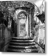 Garden Arches Of Vizcaya - Black And White Metal Print
