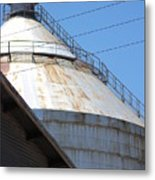 Grain Silo In Roswell Metal Print
