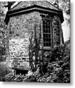 Highland Mansion - The Spring House Metal Print