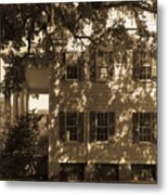 Mcleod Plantation Home In Black And White Metal Print
