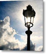 Lamp Post At The Louvre Metal Print