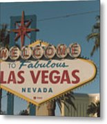 Las Vegas Welcome Sign With Vegas Strip In Background Metal Print