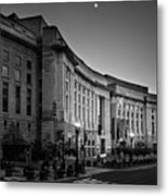 Late Evening At The Ronald Reagan Building In Black And White Metal Print