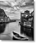 Leading Light At Staithes Metal Print