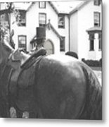 Lincoln Arrives At The Cottage Metal Print