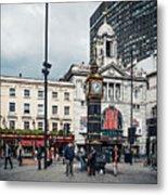 London - Victoria Station Metal Print