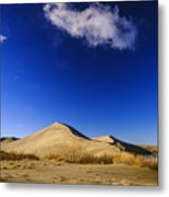 Lonely Cloud Over Sand Dunes At Bruneau Dunes State Park Idaho Usa Metal Print
