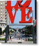 Love Sculpture In Philadelphia Metal Print by Carl Purcell