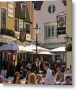Lunch In Brighton Metal Print by Trevor Wintle