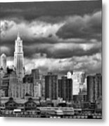 Manhattan Nyc Storm Clouds Cityview Metal Print