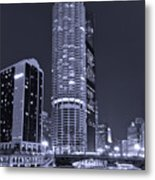 Marina City On The Chicago River In B And W Metal Print