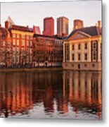Mauritshuis And Hofvijver At Golden Hour - The Hague Metal Print