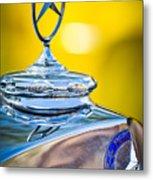 Mercedes-benz Hood Ornament - Emblem -0961c Metal Print