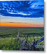 Moon And Venus In Conjunction At Dawn Metal Print