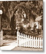 Mossy Live Oak And Picket Fence Metal Print