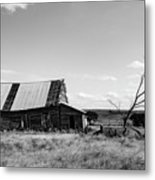Old Barn With Tree Metal Print