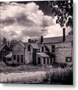 Old Farmhouse In Maine Metal Print