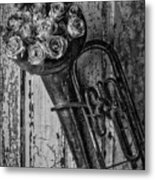 Old Horn And Roses On Door Black And White Metal Print