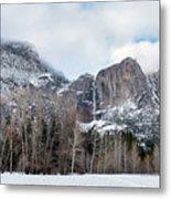 Panoramic View Of Snowed Peaks In Yosemite Park With Snow On The Metal Print