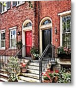 Philadelphia Pa - Townhouse With Red Geraniums Metal Print