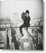 Photographing Nyc Above 5th Avenue - 1905 Metal Print