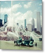 Picture Of Buckingham Fountain With Chicago Skyline Metal Print