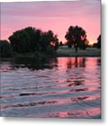 Pink Sunset With Soft Waves Metal Print