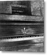 Play Me A Memory Metal Print by Peter Chilelli