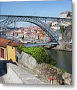 Ponte Luiz I Between Porto And Gaia In Portugal Metal Print