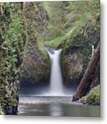 Punch Bowl Falls At Eagle Creek Closeup Metal Print