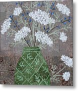 Queen Anne's Lace In Green Vase Metal Print