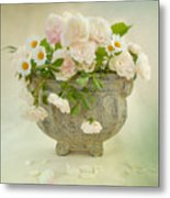 Roses And Daisys Metal Print