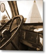 Route 66 - Parking At The Wigwam Metal Print