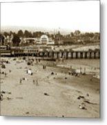 Santa Cruz Beach With Ideal Fish Restaurant 1930's Metal Print