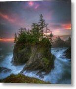 Sea Stack With Trees Of Oregon Coast Metal Print
